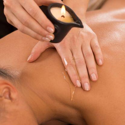 ¡Imagínate un masaje relajante a la luz de las velas, con e...