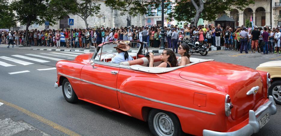 En imágenes la llegada del crucero Adonia a Cuba