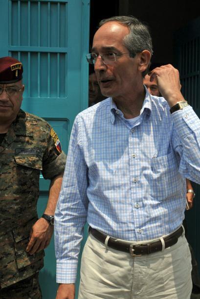 El presidente Alvaro Colom supervisó el martes a cientos de soldados y p...