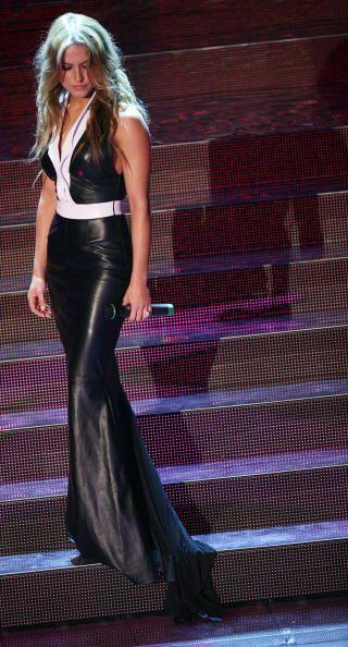 Una vez más, Lola robó miradas con ayuda de este vestido en 'leather' ne...