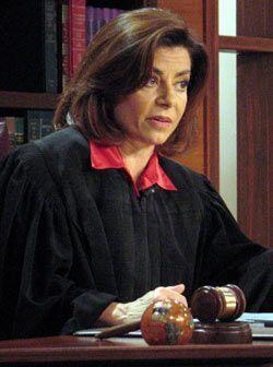 La jueza negó la demanda porque Mike no es el dueño de la casa y Dania e...