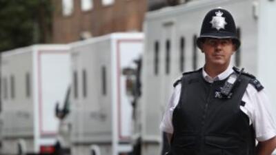 La policía vigila gran parte de Londres tras los disturbios.