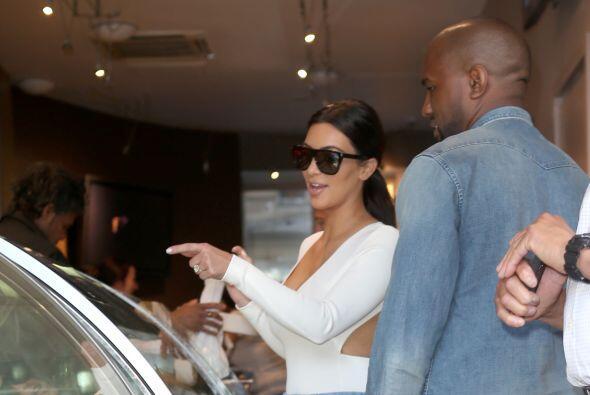 Kim ya se decidió por su postrecito. Mira aquí lo ú...