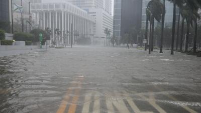 En fotos: Miami inundada y Brickell (su distrito financiero) convertido en un mar