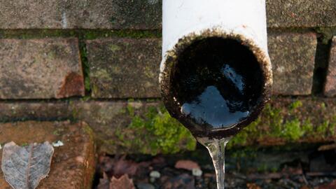 Proteja sus tuberías de las temperaturas congelantes.