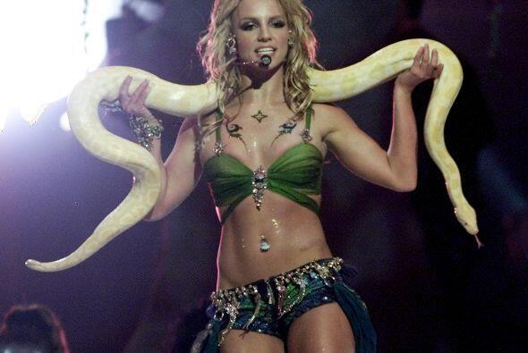 A Britney Spears no le tardó mucho deshacerse de el look de niña buena d...