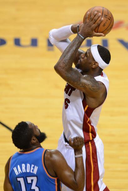 Al final el Heat se llevó el triunfo y LeBron James se coronó campeón lo...