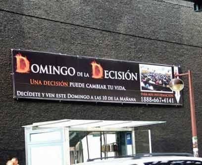 La religión es otra herencia latina que vive en Nueva York. Varias igles...