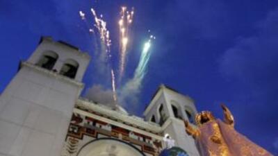 Los salvadoreños realizan fiestasdedicadas al Divino Salvador del Mundo...