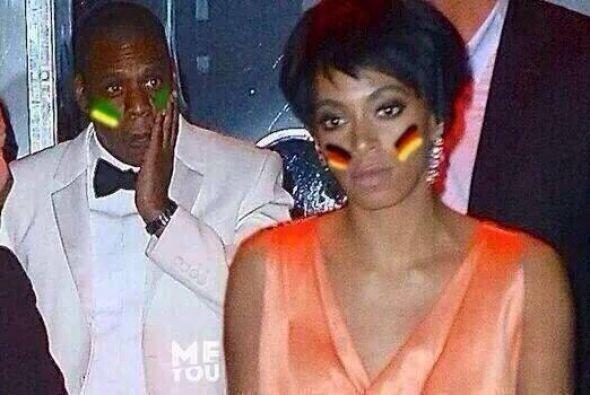 Como la golpiza que le dio la hermana de Beyoncé, Solange, a Jay-Z. Todo...