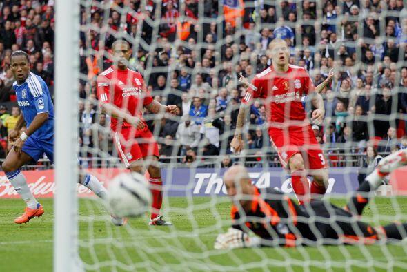 El marfileño remató de zurda, esquinado, y venció al portero del Liverpool.