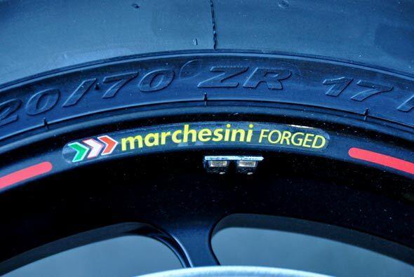 Los neumáticos de las motos también forman parte escencial de la segurid...