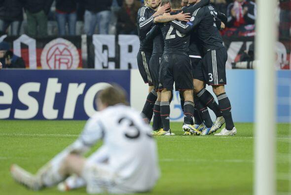 Bayern Munich también avanzó como líder de su sector después de golear p...
