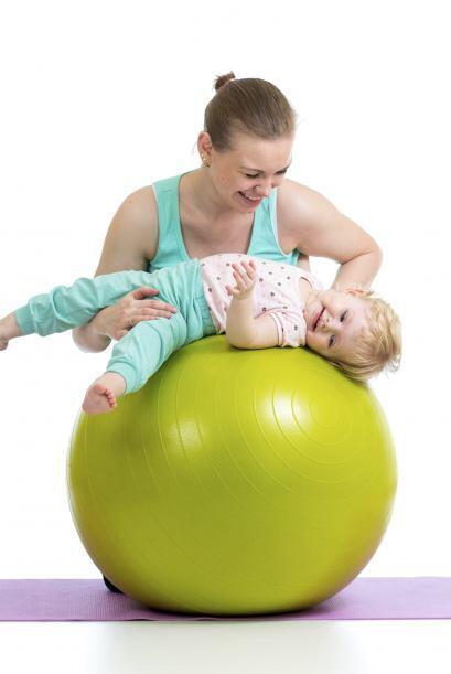 Además, ofrece la posibilidad de que consientas a tu bebé con masajes su...
