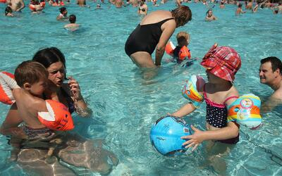 Piscinas públicas con clases gratuitas de natación ya están disponibles...