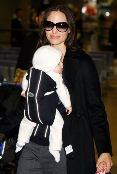 Angelina es una excelente mami.Mira aquí más videos de Chi...