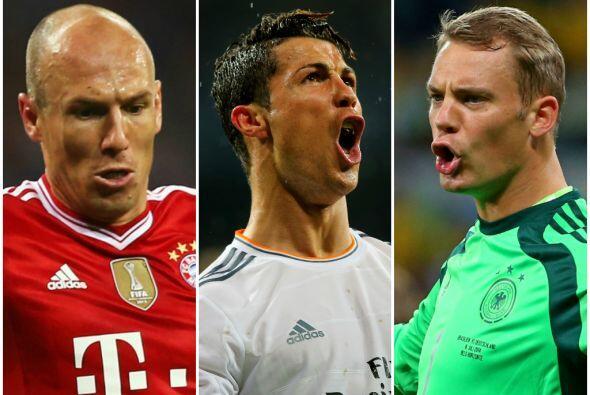 El delantero portugués del Real Madrid, Cristiano Ronaldo, y los jugador...