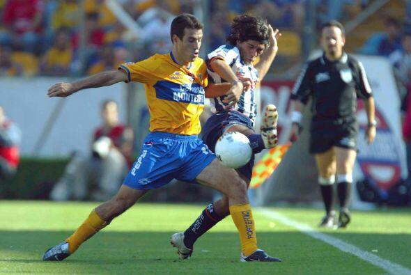 Con Tigres tuvo tres etapas 98-99, 2000-2001 y 2002-2003 antes de ir a P...