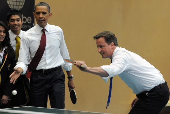Cameron sacó a relucir su saque, que llevaba un endemoniado efecto que l...