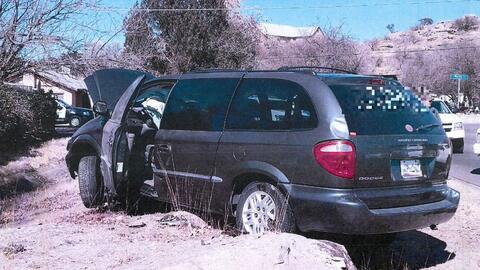 La camioneta que conducía el menor transportaba a 12 inmigrantes...