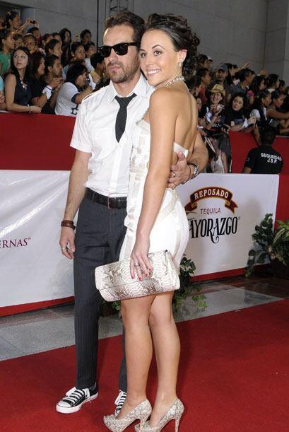 En el 2010, Jorge Poza y Zuria Vega desfilaron por la alfombra mostrando...