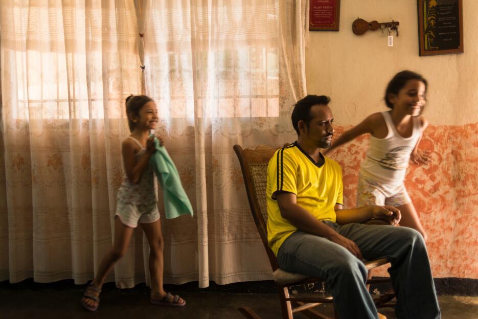Como Alvis, el 57.8% de los venezolanos encuestados por Moris asegura qu...