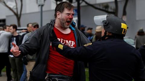 En un día de manifestaciones a favor de Trump, una marcha de California...