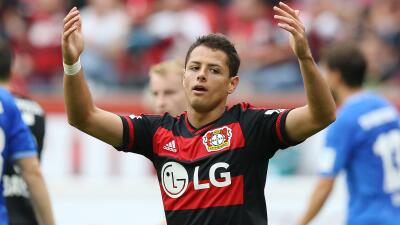 Chicharito disputó sus primeros minutos en la Bundesliga.