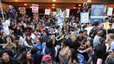 Detuvieron a estudiantes universitarios que participaban en una protesta...