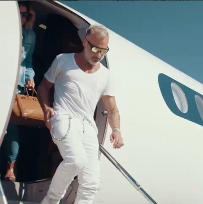 Gian Luca y su avión privado