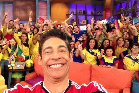 """""""Con toda la fanáticas a de #Colombia aquí en @DespiertaAmeric @Univisio..."""