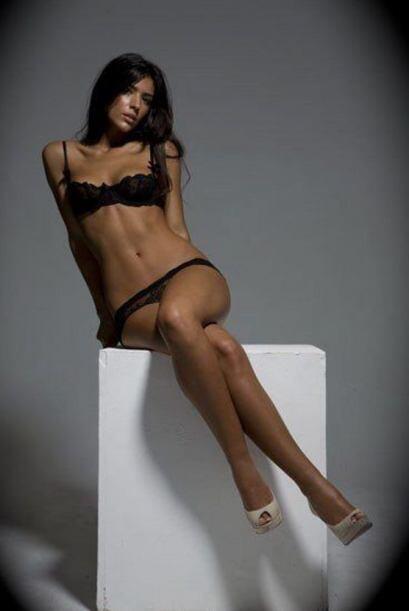 La bella modelo española, novia de Nasri, es conocida por ser una de los...