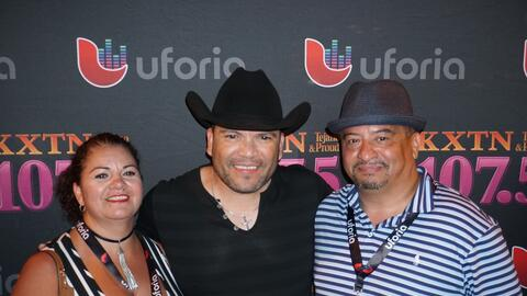 Michael Salgado met some lucky fans at the Uforia Summer Concert Series #1
