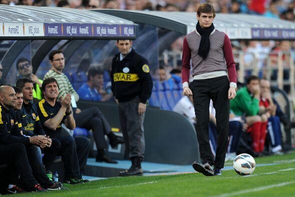 Tito Vilanova, entrenador de los visitantes, mostró que tiene buen toque...