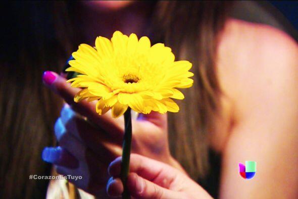 ¡Eres todo un romántico! Esa flor dejó a Ximena muy...