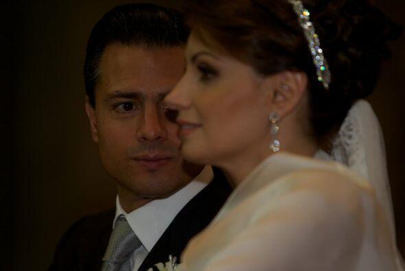 """""""Hagamos que dure... ¡Te Amo¡"""", así etiquetó esta foto el gobernador. (F..."""