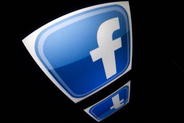 FACEBOOK. Mención aparte para esta red social, que tuvo un crecimiento d...