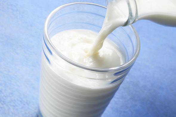 4-La leche cura las úlceras: Falso: Los lácteos alivian momentáneamente,...