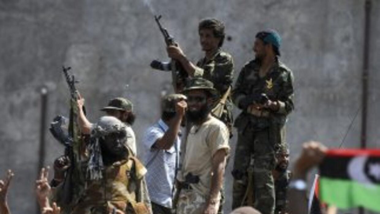 Una semana después de la ofensiva victoriosa sobre Trípoli, la vida vuel...
