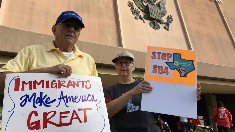 Video: Qué es la ley SB4 que prohíbe las ciudades santuarios en Texas