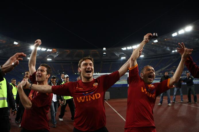 Mientras que la Roma es dominadora con 69 victorias y 232 goles a favor....