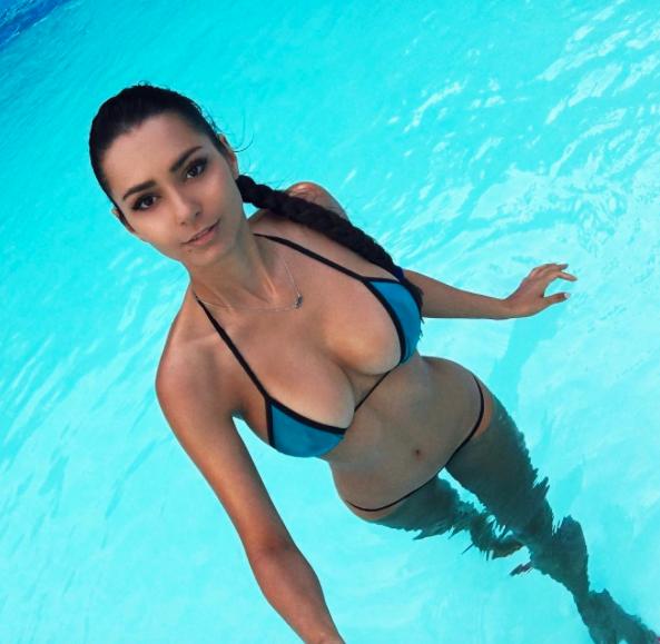 Helga Lovekaty es una espectacular actriz y modelo rusa, a quien se le h...
