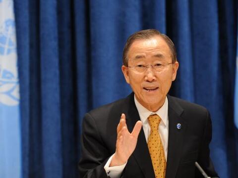 Mientras el secretario General de la ONU, Ban Ki-Moon, pidió a la...