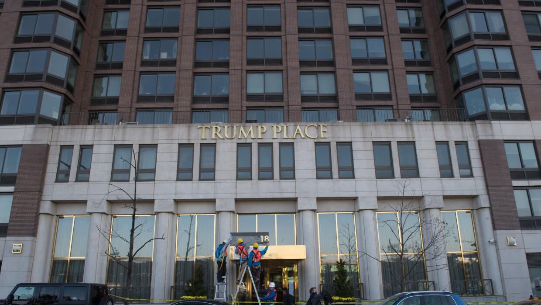 Tres edificios localizados en Riverside Boulevard estuvieron identificad...