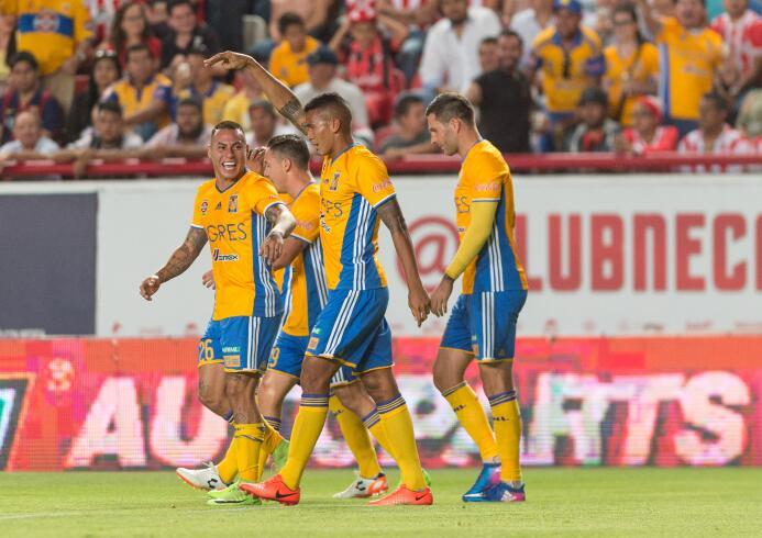 Necaxa y Tigres empatan en emocionante partido Celebran.jpg