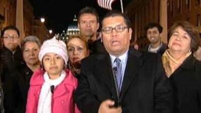 La niña Jersey Vargas junto al grupo de activistas de Los Angeles que vi...