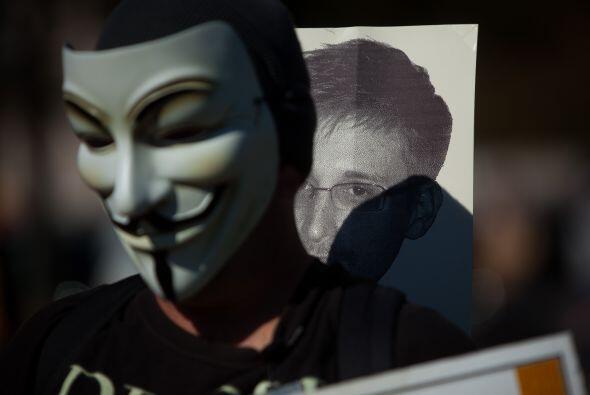 """La marcha, convocada bajo el lema """"Detengan la vigilancia masiva"""", salió..."""
