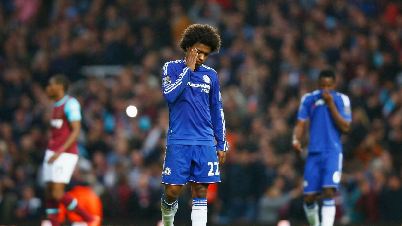 Willian se lamenta la derrota del Chelsea