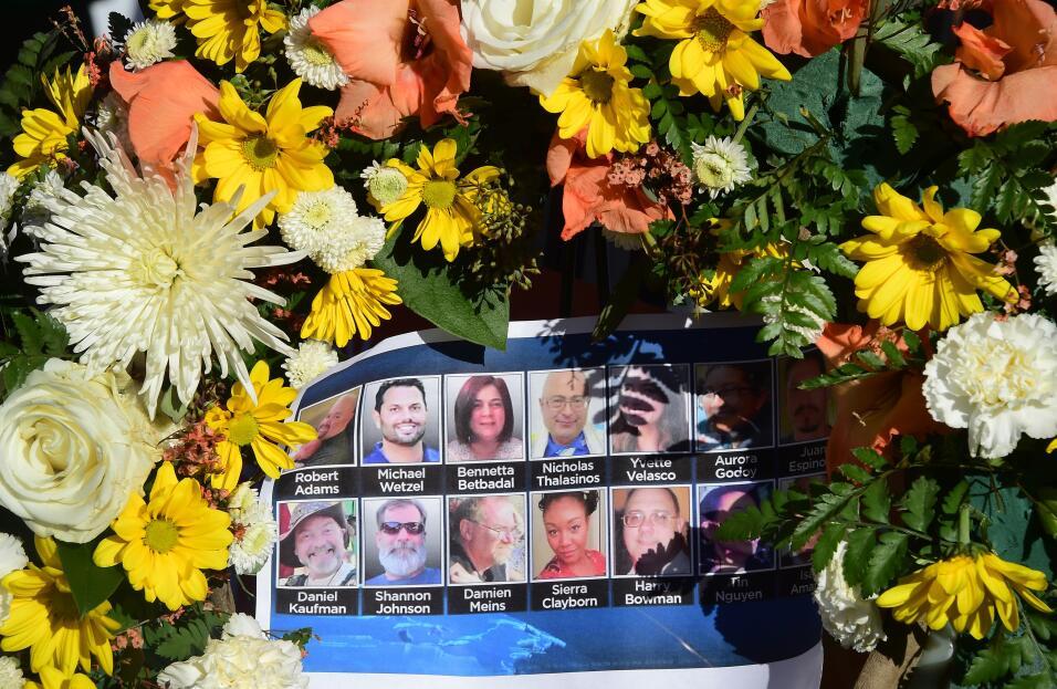 Olor a pólvora, llantos y terror en las miradas: el ataque en San Bernar...