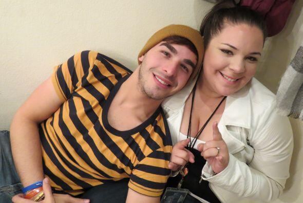 Yazaira con Víctor Robles, en camerinos en la gala 2.
